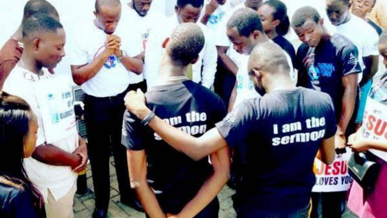 Los jóvenes se movilizan para el servicio en el Día Global de la Juventud