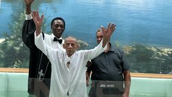 In Puerto Rico, at 103 years of age, man decides to give his life to Jesus