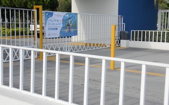 A banner on Montemorelos University's main gate on September 25, 2018 announces that the campus will remain a vehicle-free zone for the entire day. [Photo: Montemorelos University]