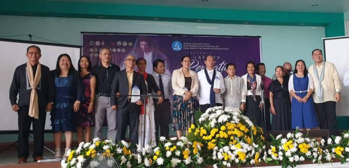 Members of the team that took part in an evangelistic initiative in Southern Philippines. The team includes Seventh-day Adventist judges, physicians, businesspeople, and others. [Photo: Southern Asia-Pacific Division Communication Department]