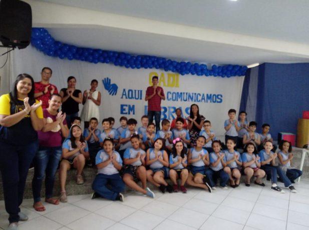 Comunidade surda participa de atividades em libras em Colégio Adventista