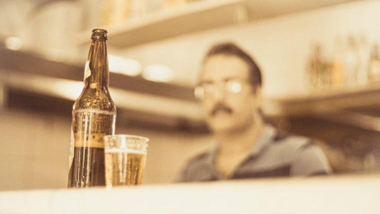 El consumo de bebidas alcohólicas está quedando fuera de moda, evalúa una publicación inglesa – Noticias
