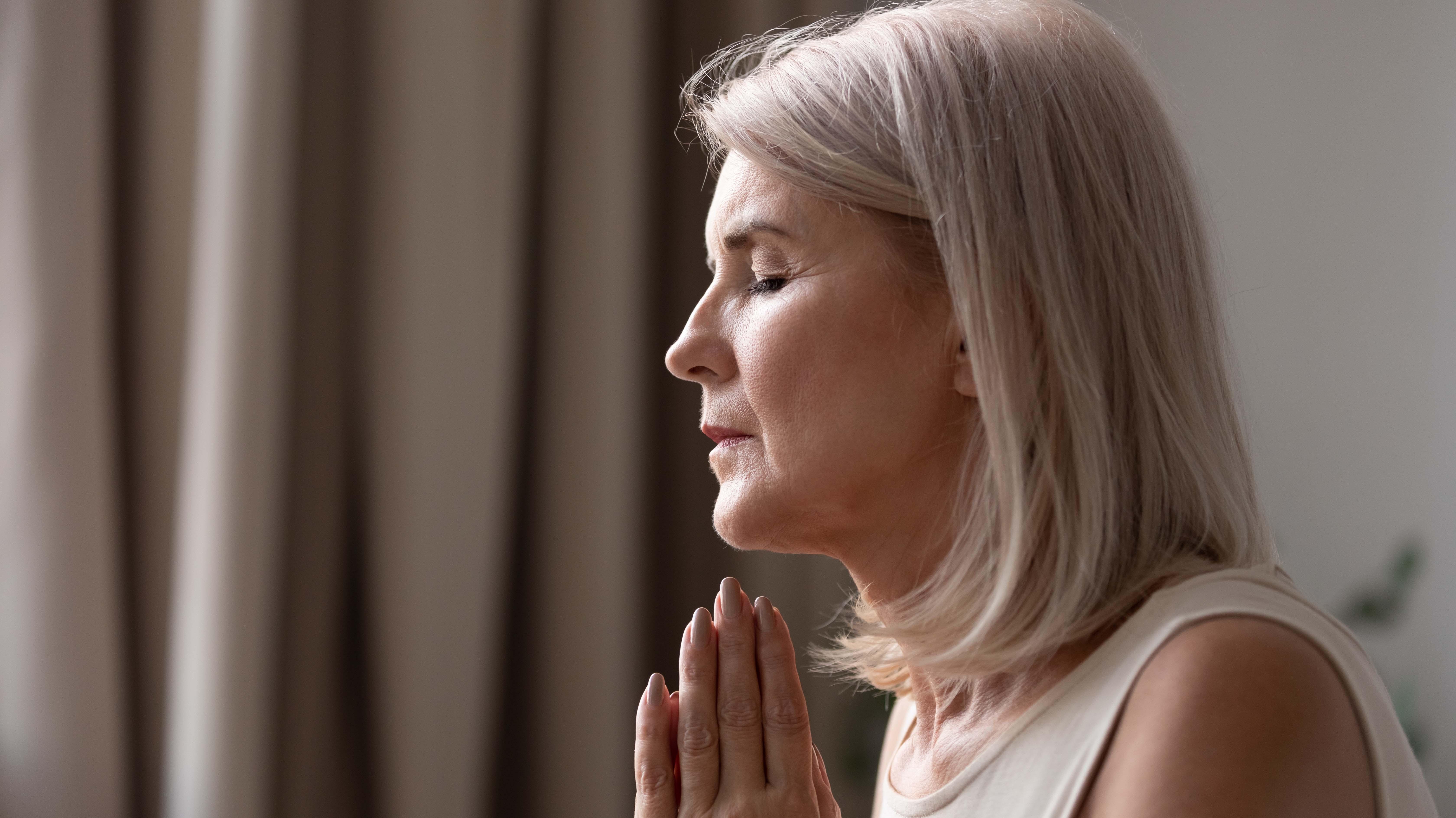 Los fieles se unen en oración dos veces al día en el mes de abril (Foto: Shutterstock)