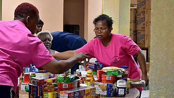 Adventist Church Hosts Community Food Drive for Dozens of Families in Sint Maarten