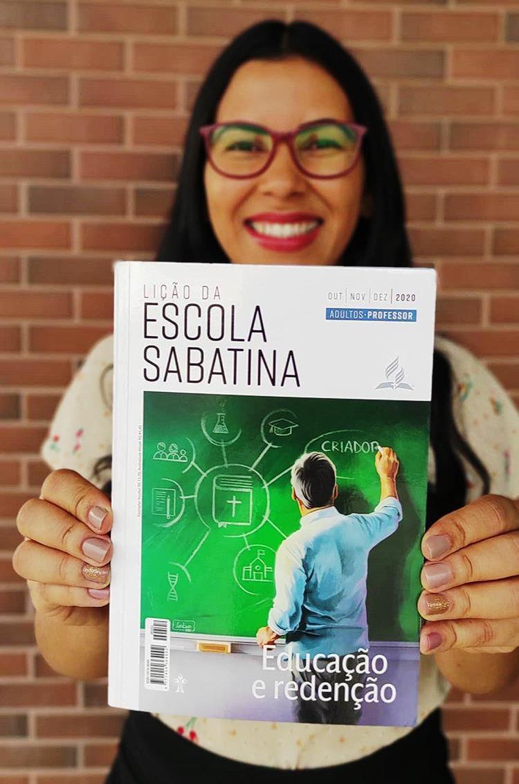 """""""A Escola Sabatina me faz sentir parte da Igreja"""", declara jovem que criou canal de estudos"""